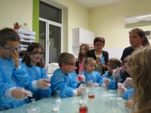 Млади изследователи в областта на химията